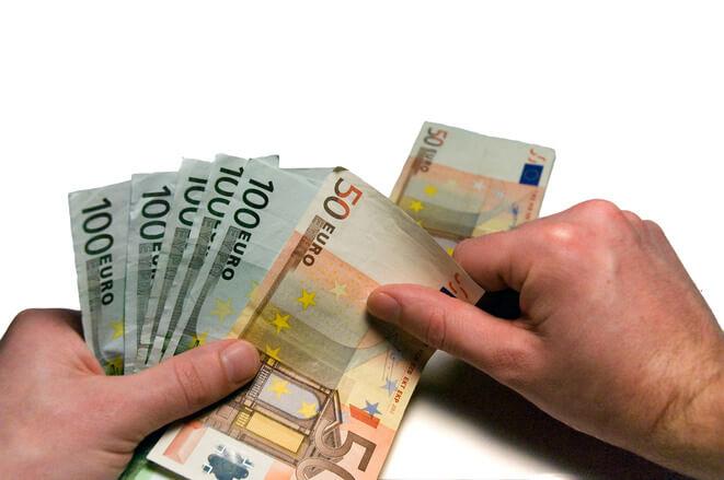 Podatek dochodowy w Holandii – czemu taki wysoki? Podpowiadamy co może go obniżyć!