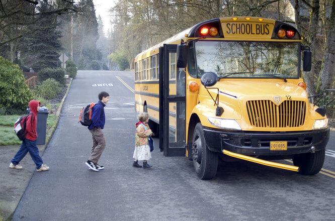 Polacy chętnie posyłają swoje dzieci do zagranicznych szkół