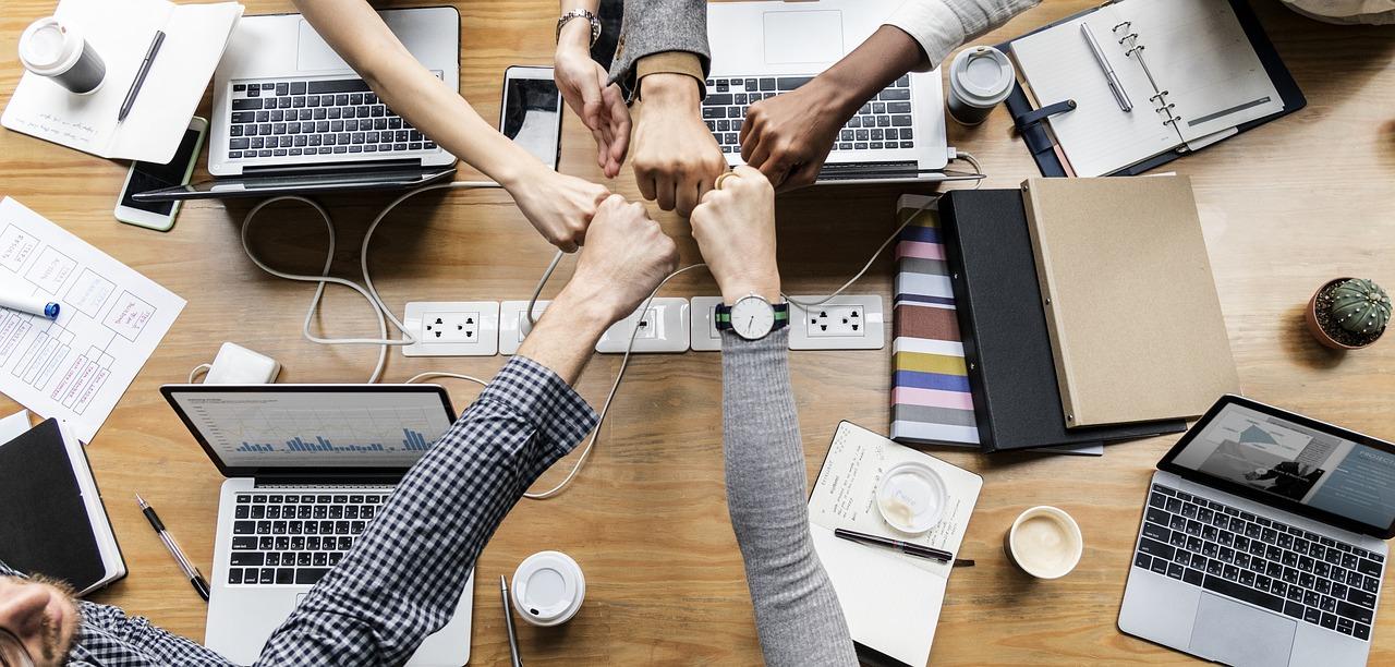 Wybór odpowiedniej firmy rozliczeniowej – niby proste, a skomplikowane zadanie